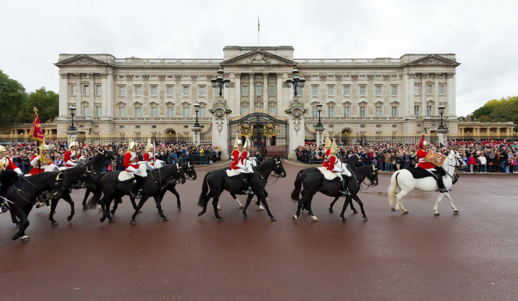 London_20pl_shutterstock_129133007 Ταξίδι στο Λονδίνο: Τα καλύτερα αξιοθέατα στην πρωτεύουσα της Αγγλίας