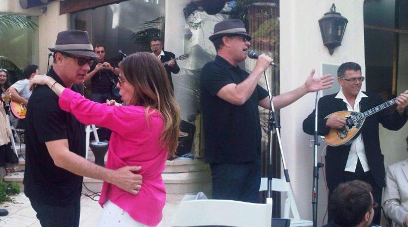 tomandrita-greek-easter Στην περιφορά του Επιταφίου της εκκλησίας της Αγίας Σοφίας στο Λος Άντζελες ο Tom Hanks