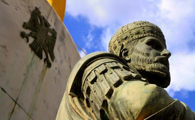 byzantine-emperor-konstantinos-palaiologos-statue-mystras-sparta-lakonia-greece-byzantine-emblem-lakonistas