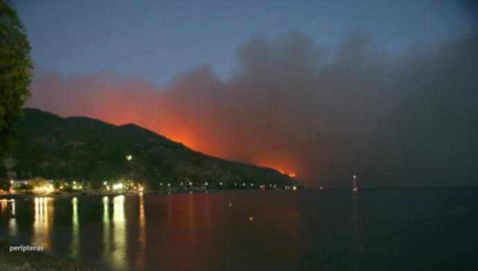 evia-1-1000 Πύρινη «κόλαση» στη βόρεια Εύβοια - Εκκενώνονται οικισμοί