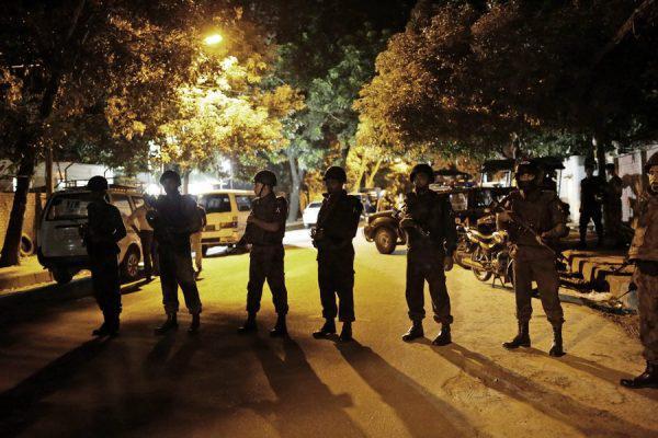 Gunmen take hostages in Dhaka restaurant