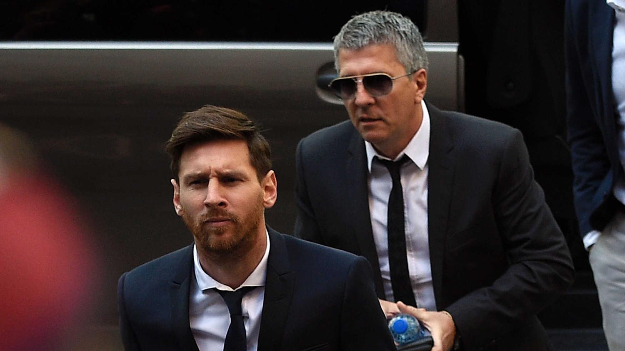 mesi-father-1000 Ντριπλάροντας την εφορία - Πώς ξεγλιστρούν οι παγκόσμιοι αστέρες του ποδοσφαίρου