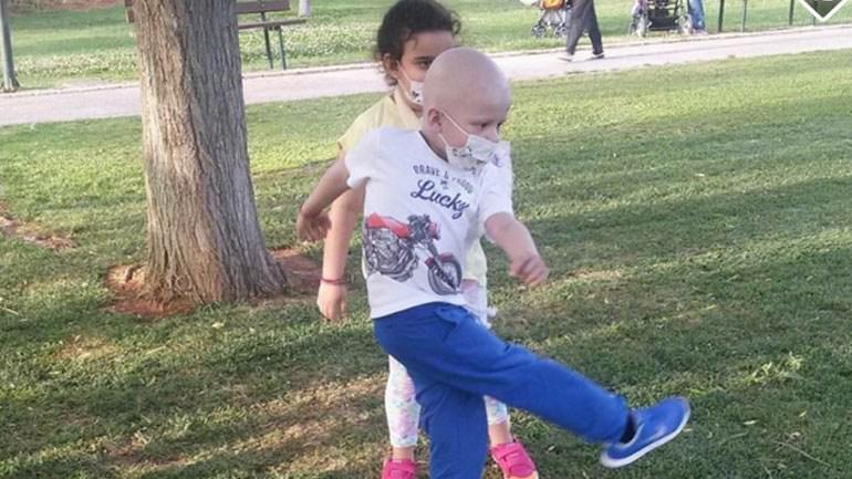 mikros-1-1000 Έκκληση από μητέρα 6χρονου που πάσχει από λευχαιμία: «Δώστε μία ευκαιρία να ζήσει ο μικρός Kωνσταντίνος»