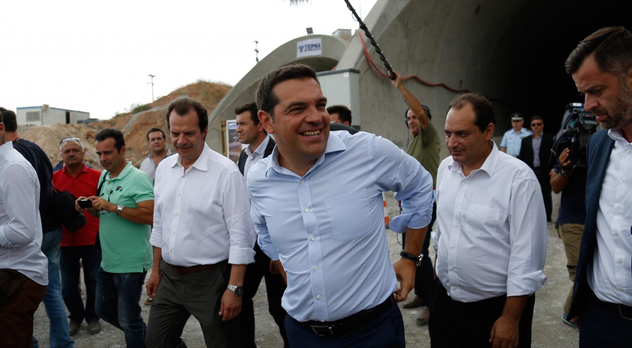 http://www.eleftherostypos.gr/wp-content/uploads/2016/09/tsipras-korinthou-patron-1.jpg