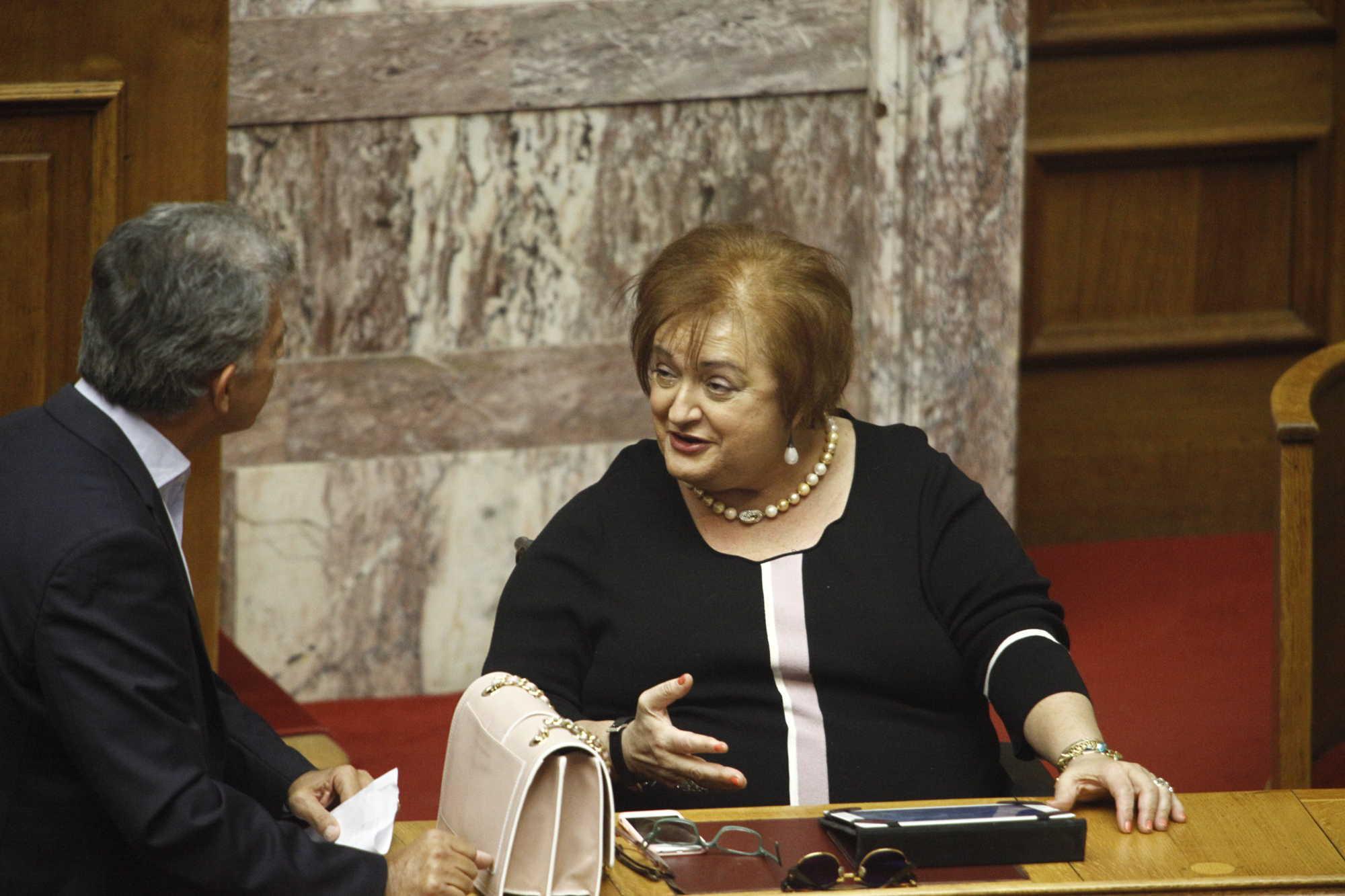 Συνεπιμέλεια - Αποστάσεις πήρε η Μαριέττα Γιαννάκου: Δεν μπορώ να το ψηφίσω