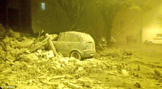 italia-seismos-katastrofes-1300-8