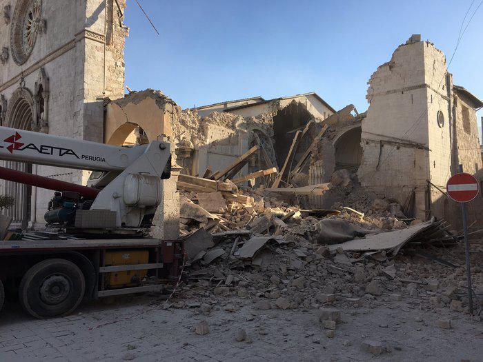 upl5815a3e728369 Τραυματίες και καταστροφές από τον νέο σεισμό των 6.7 Ρίχτερ στην Ιταλία