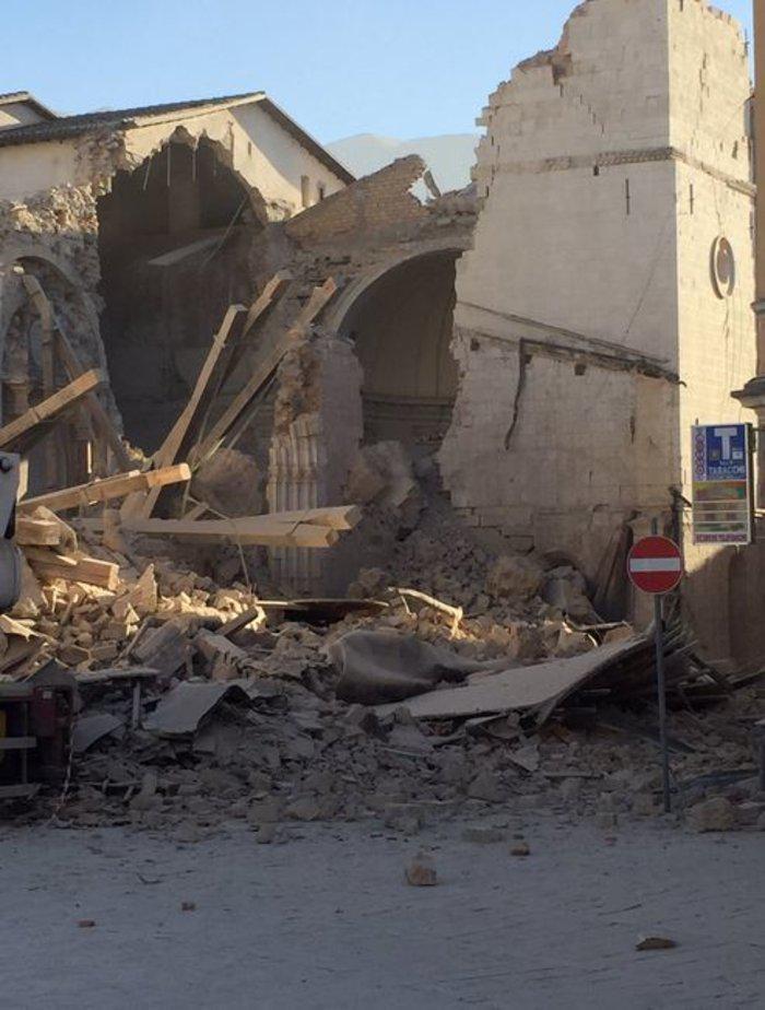 upl5815a3f3b69e9 Τραυματίες και καταστροφές από τον νέο σεισμό των 6.7 Ρίχτερ στην Ιταλία