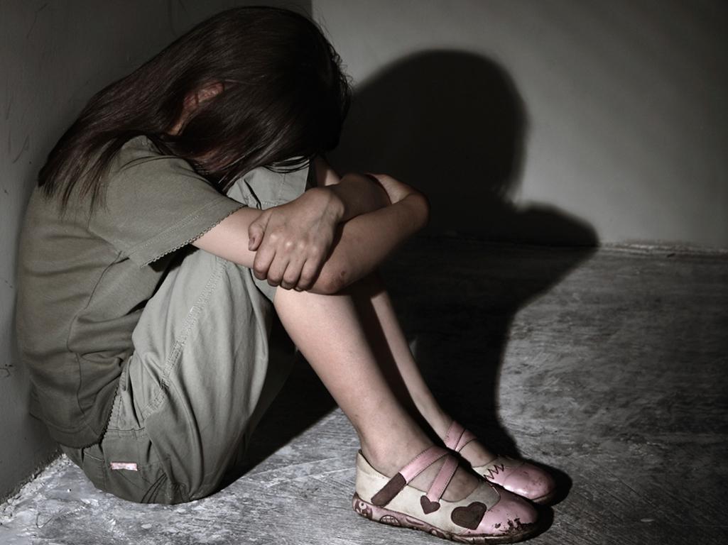 τύπος βιασμό ένα κορίτσι πορνό