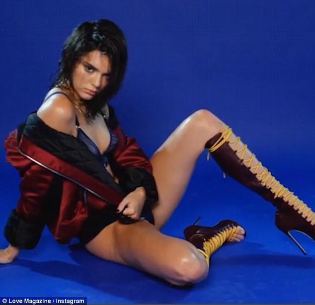 love-periodiko-sexy-gunaikes-1300-2 Το ημερολόγιο του «Love» με Kendall Jenner και Emily Ratajkowski [εικόνες & βίντεο]