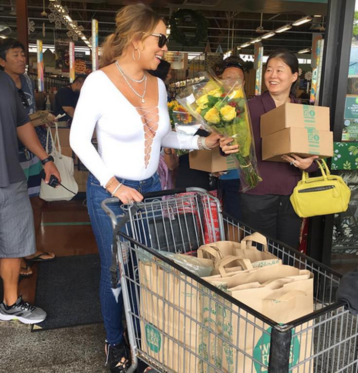 mareyah6 Έτσι πάει στο μανάβικο για ψώνια η Mariah Carey [εικόνες]