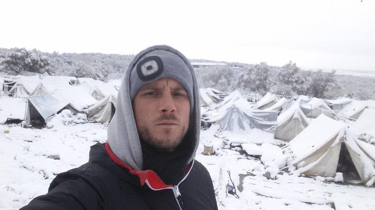 petraa6 Βούλιαξαν από το χιόνι οι σκηνές των προσφύγων στην Πέτρα Ολύμπου [εικόνες]