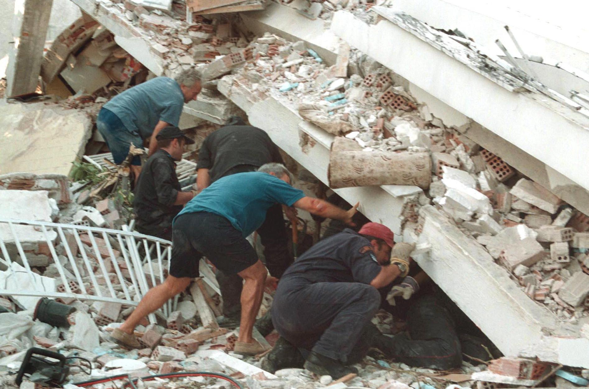 seismos-athina1999