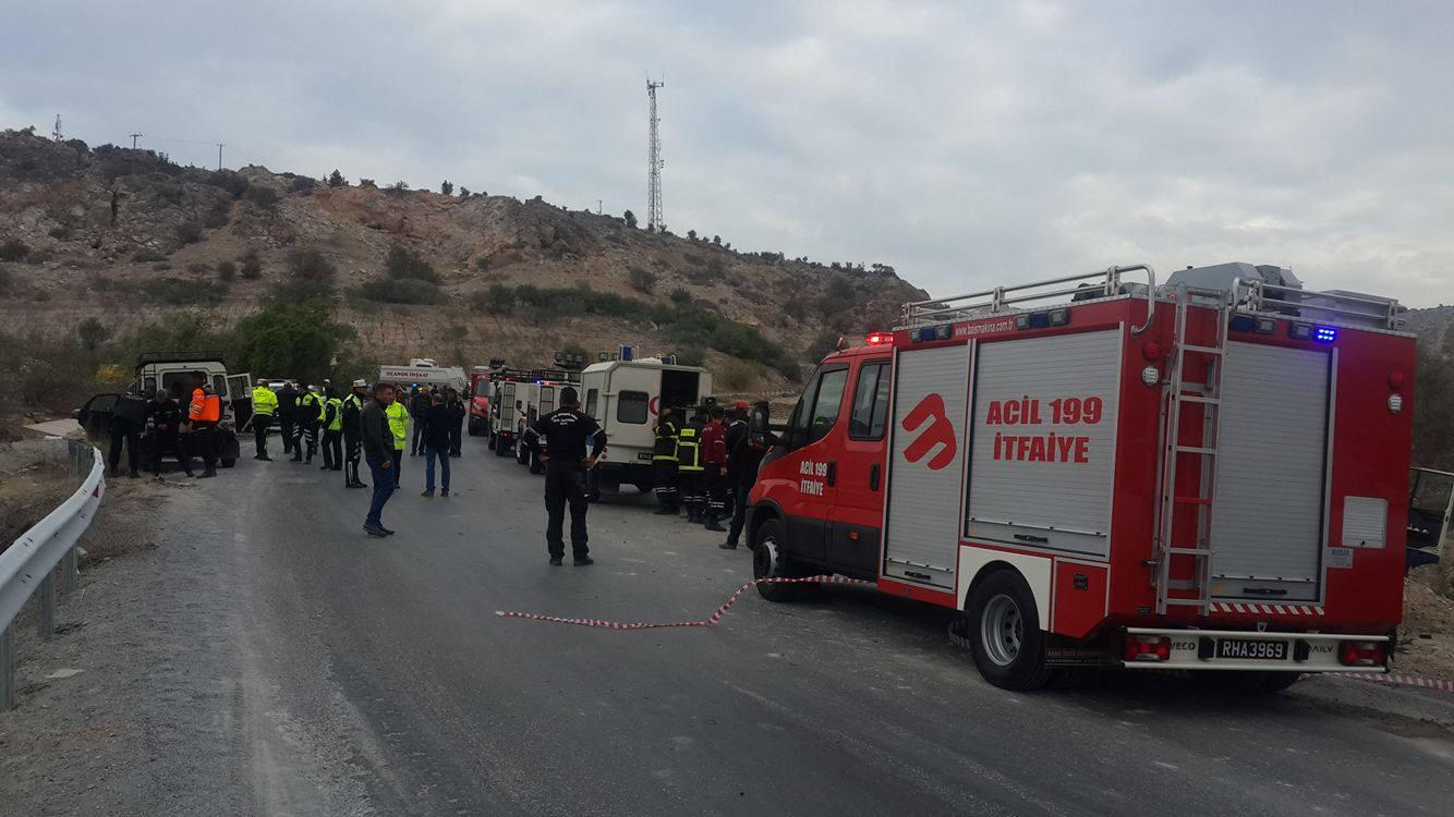 troxaio-katexomena-sxoliko-leoforeio-1300-1 Τραγωδία στα Κατεχόμενα - Δύο 16χρονες νεκρές μετά από σύγκρουση λεωφορείου με φορτηγό