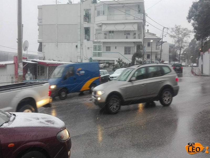 xionia-voreia-ellada-1300-2 Στα λευκά η Βόρεια Ελλάδα - Πού έπεσαν τα πρώτα χιόνια [εικόνες & βίντεο]