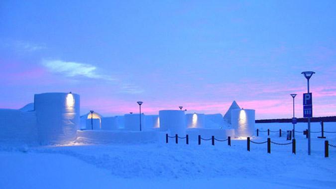 hot9-1 Αυτό είναι το πρώτο ξενοδοχείο στον κόσμο φτιαγμένο από πάγο [εικόνες & βίντεο]