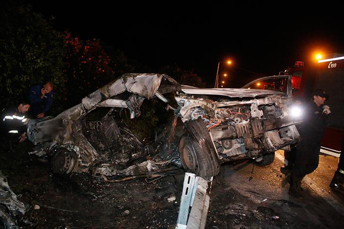 troxaio-kaike-24xroni-1300-3 Τραγωδία στην εθνική οδό Ναυπλίου–Κορίνθου - 24χρονη απανθρακώθηκε σε τροχαίο [εικόνες]