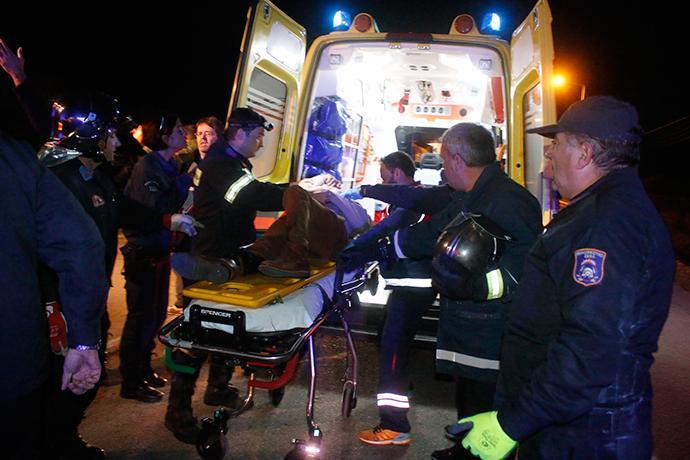 troxaio-kaike-24xroni-1300-5 Τραγωδία στην εθνική οδό Ναυπλίου–Κορίνθου - 24χρονη απανθρακώθηκε σε τροχαίο [εικόνες]
