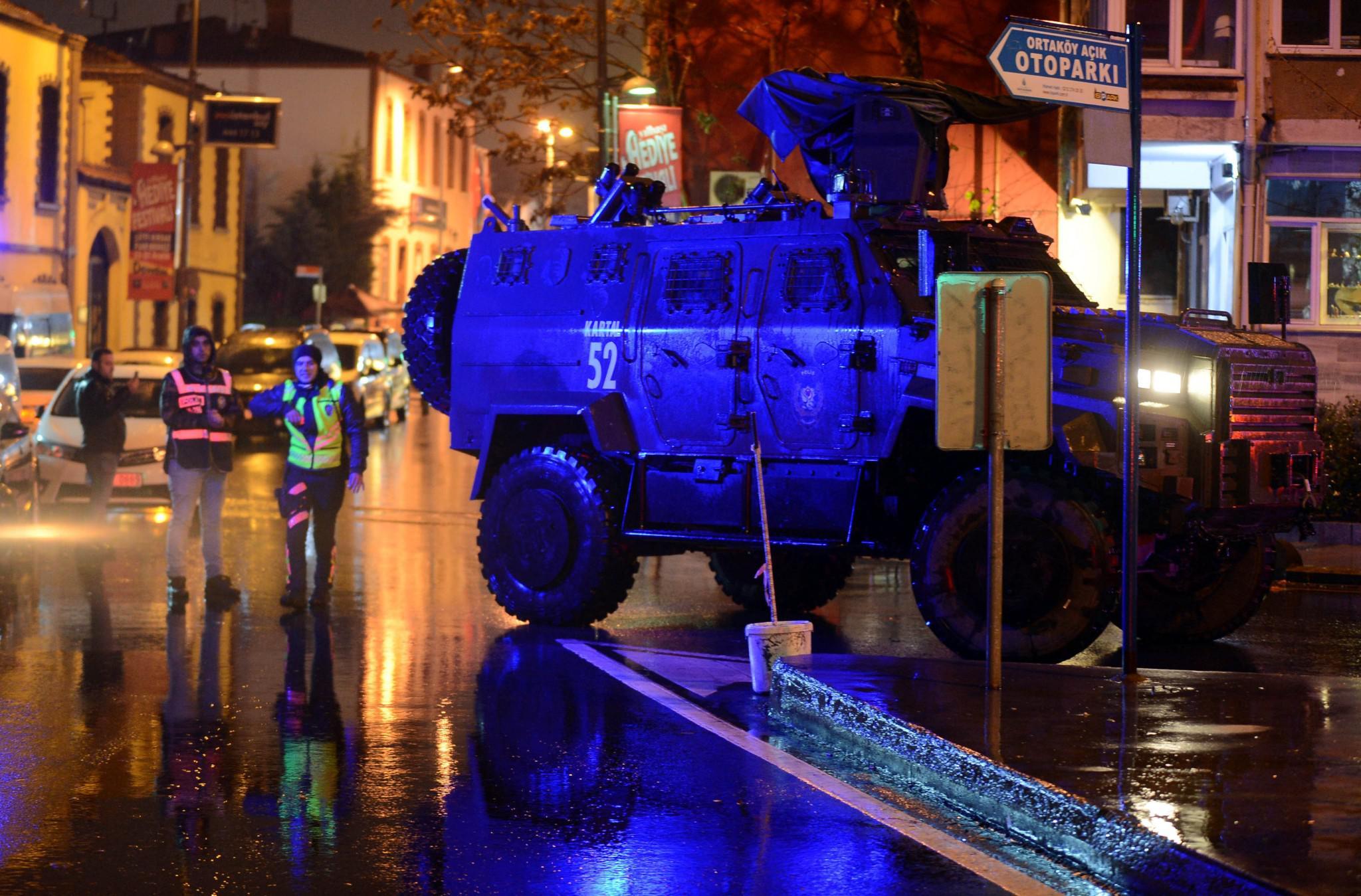2017-01-01T000729Z_1150236699_RC1AA78E8390_RTRMADP_3_TURKEY-ATTACK Ανθρωποκυνηγητό για τον δράστη της επίθεσης στην Κωνσταντινούπολη