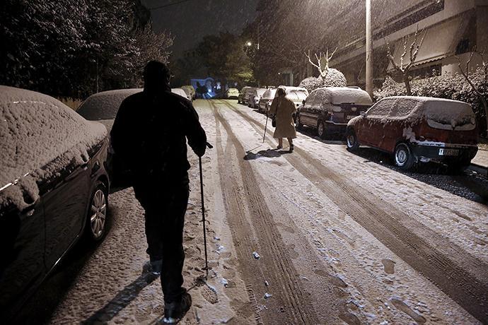 6298e36b-0724-4825-bec6-2f20e8848b0e Στα λευκά και παγωμένη ξύπνησε η Αττική: Κλειστά όλα τα σχολεία - Πού έχει διακοπεί η κυκλοφορία