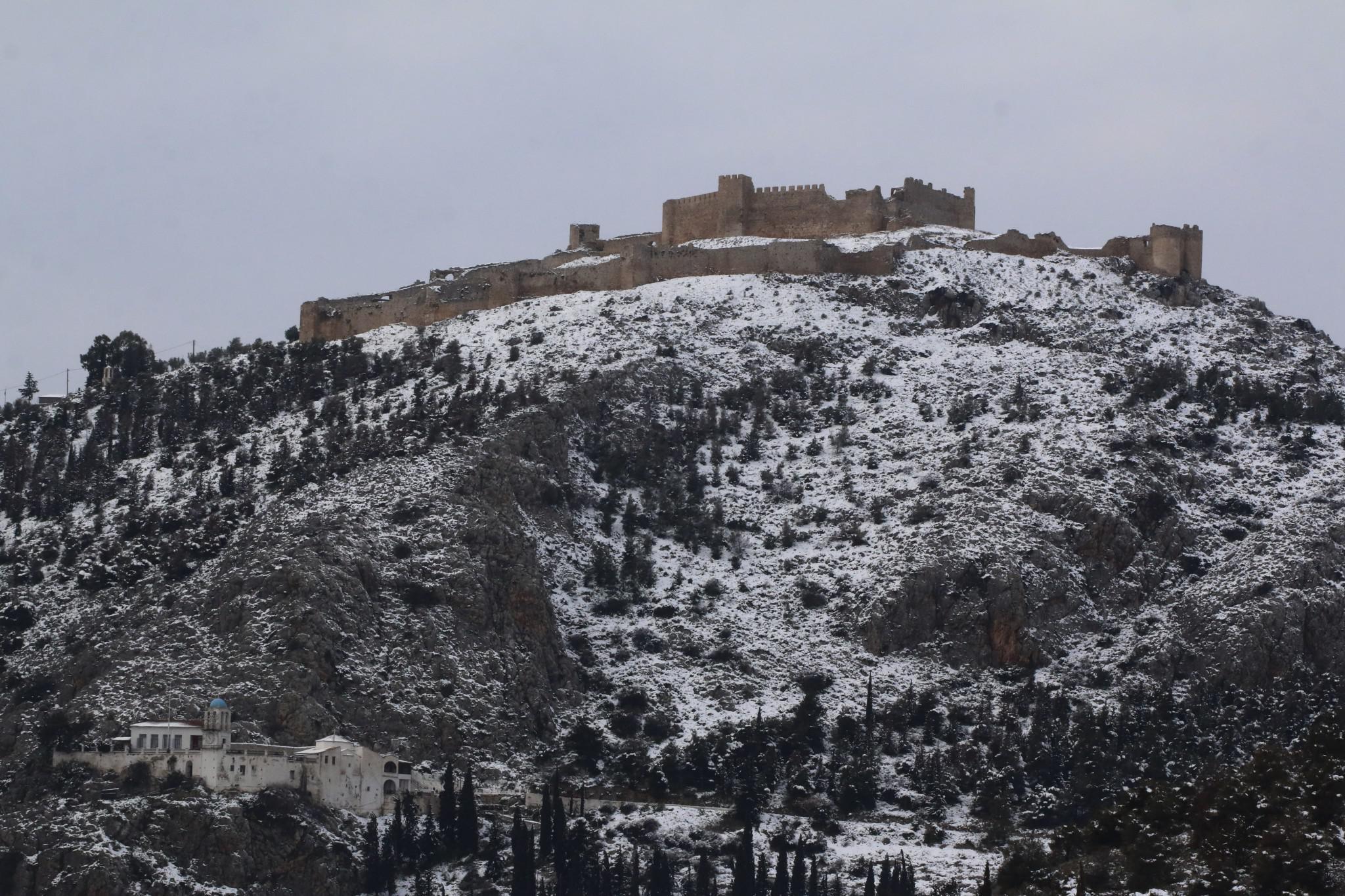 argolida-xionia-2 Τραγική κατάσταση στην Αλόννησο  – Πολλά προβλήματα σε όλη την Ελλάδα από τον χιονιά