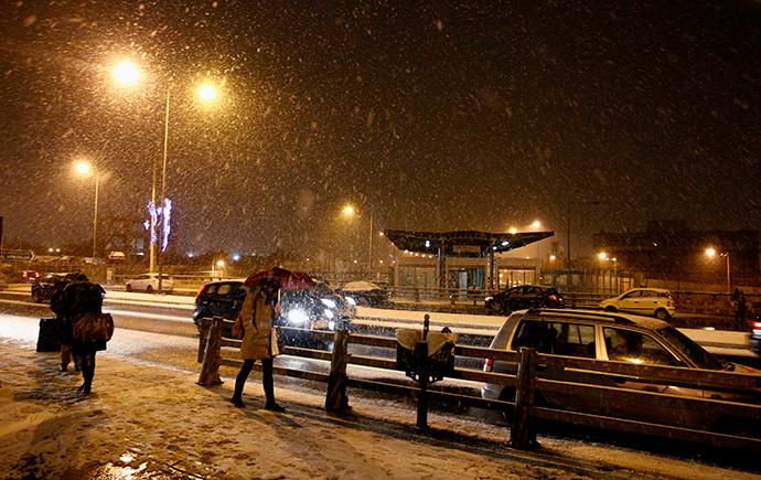 e0a66ea7-b116-4668-bda7-181360ae05ef Στα λευκά και παγωμένη ξύπνησε η Αττική: Κλειστά όλα τα σχολεία - Πού έχει διακοπεί η κυκλοφορία