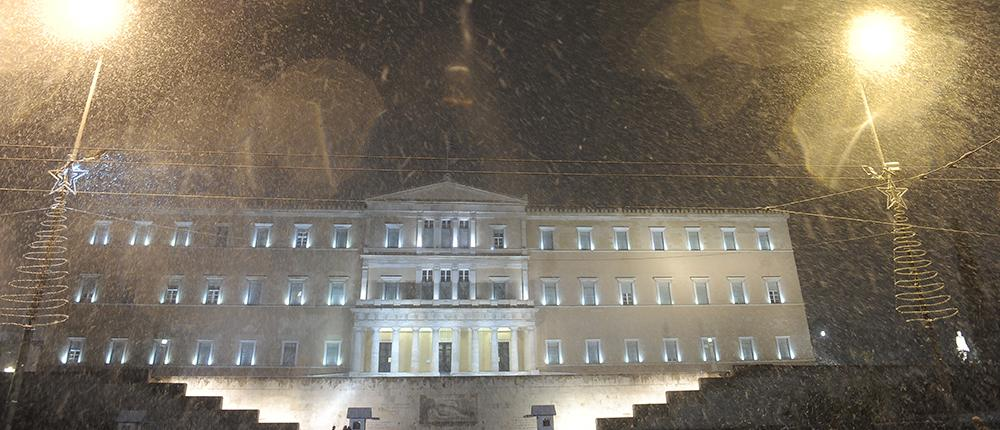 e2275a95-c4ea-4e33-ac6f-6bf651c019ab Στα λευκά και παγωμένη ξύπνησε η Αττική: Κλειστά όλα τα σχολεία - Πού έχει διακοπεί η κυκλοφορία