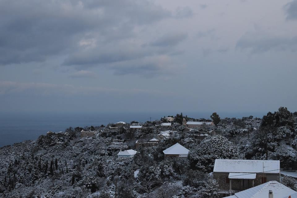 erisos-1 Ανυποχώρητος ο χιονιάς - Τρεις νεκροί και τεράστια προβλήματα σε όλη τη χώρα [εικόνες]