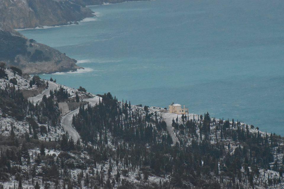 erisos-4 Ανυποχώρητος ο χιονιάς - Τρεις νεκροί και τεράστια προβλήματα σε όλη τη χώρα [εικόνες]