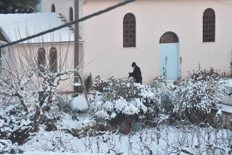 erisos-8 Ανυποχώρητος ο χιονιάς - Τρεις νεκροί και τεράστια προβλήματα σε όλη τη χώρα [εικόνες]