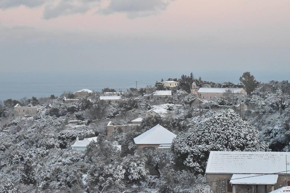 erisos-9 Ανυποχώρητος ο χιονιάς - Τρεις νεκροί και τεράστια προβλήματα σε όλη τη χώρα [εικόνες]