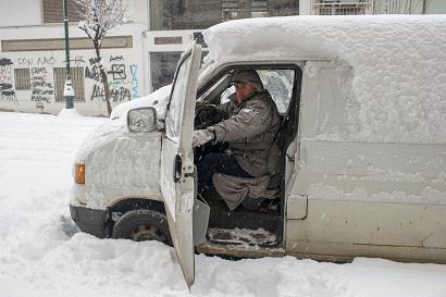 giannena Στο έλεος του χιονιά παραμένει η χώρα – Αποκλεισμένα νησιά και χωριά