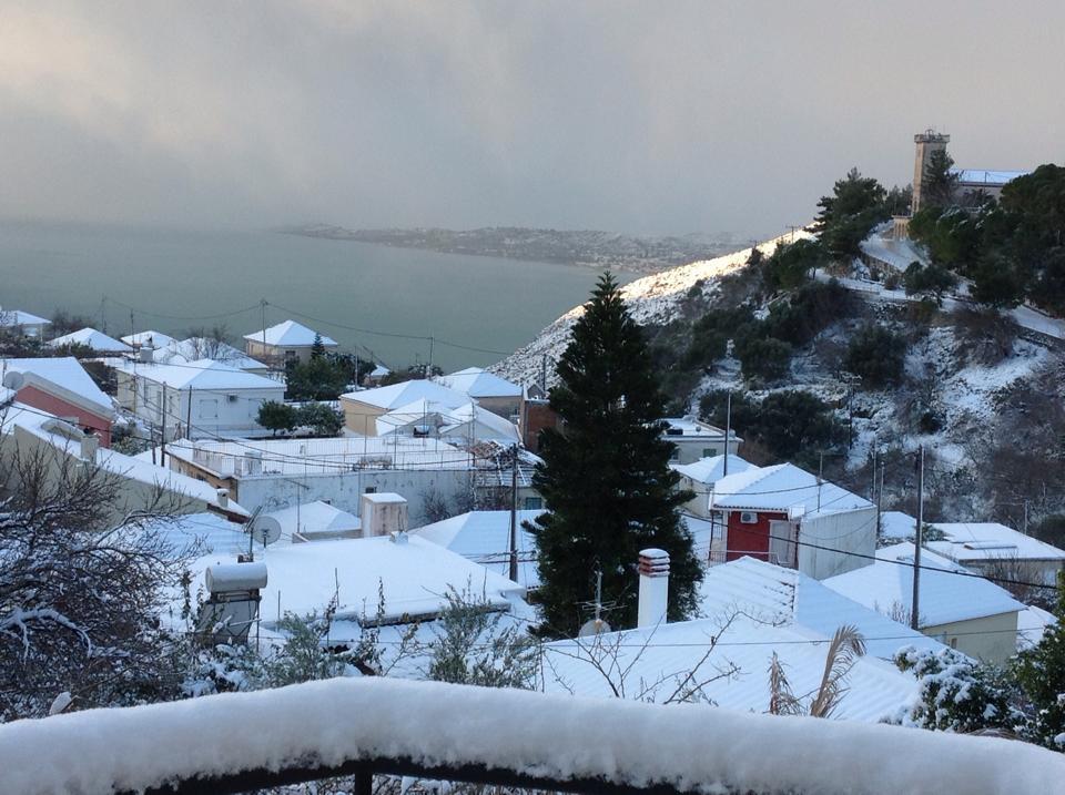 kourouklata Ανυποχώρητος ο χιονιάς - Τρεις νεκροί και τεράστια προβλήματα σε όλη τη χώρα [εικόνες]