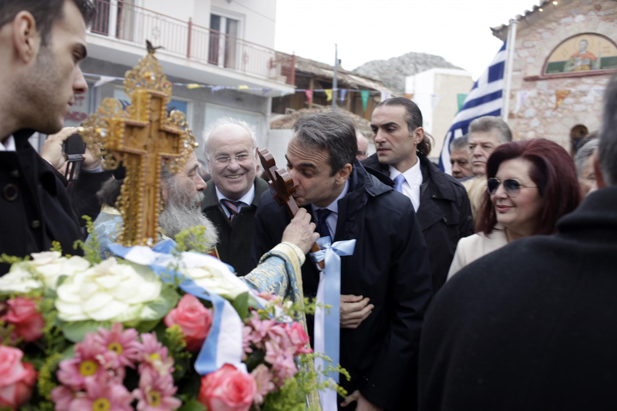 mitsotakis1-500 Μητσοτάκης: Είναι άμεση η ανάγκη για ενότητα [εικόνες]