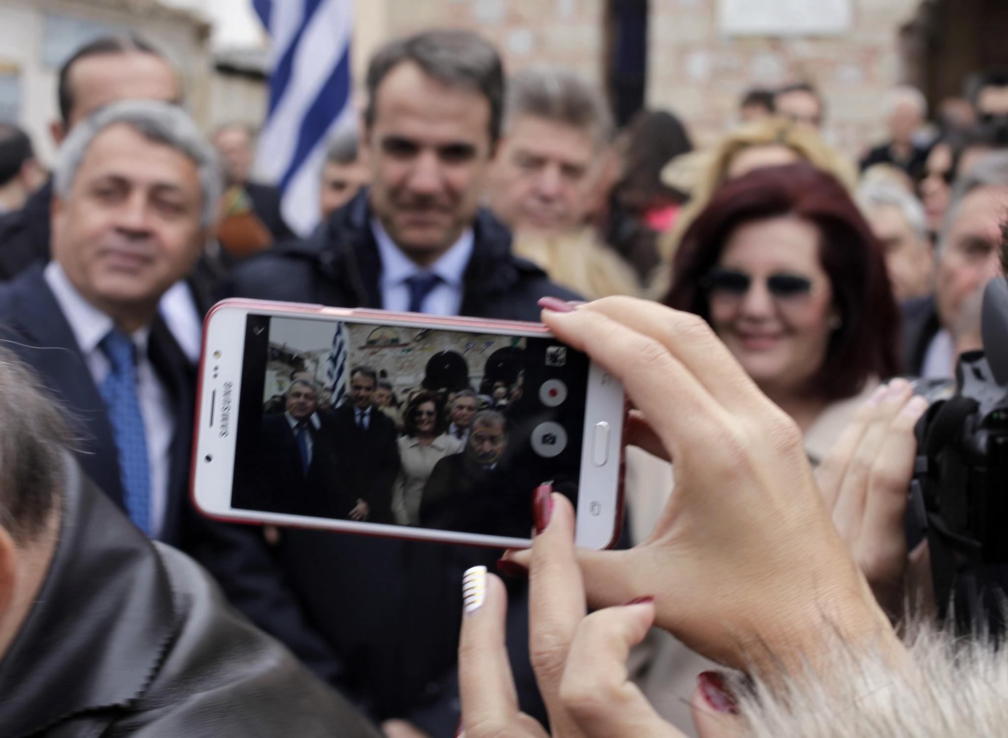 mitsotakis2-500 Μητσοτάκης: Είναι άμεση η ανάγκη για ενότητα [εικόνες]