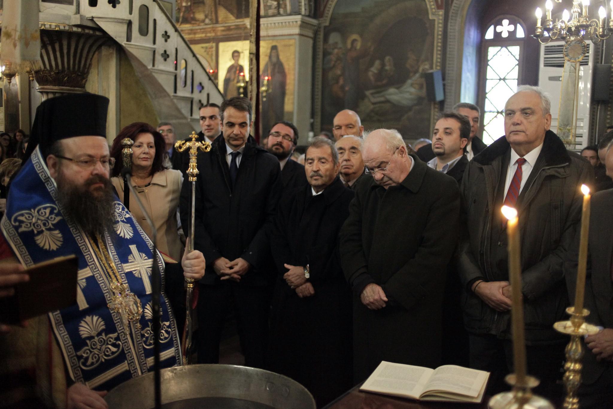 mitsotakis5-500 Μητσοτάκης: Είναι άμεση η ανάγκη για ενότητα [εικόνες]