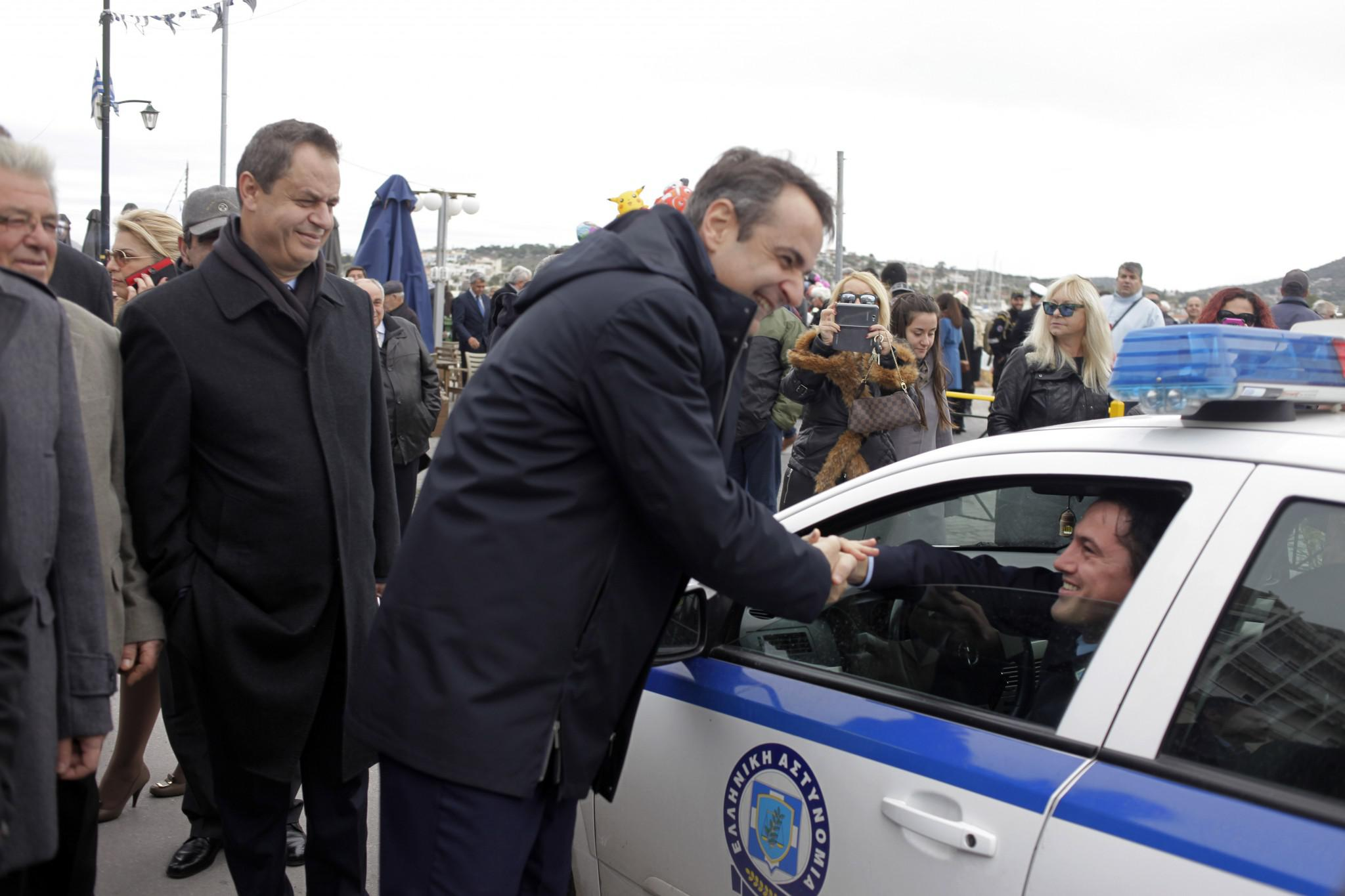 mitsotakis8-500 Μητσοτάκης: Είναι άμεση η ανάγκη για ενότητα [εικόνες]