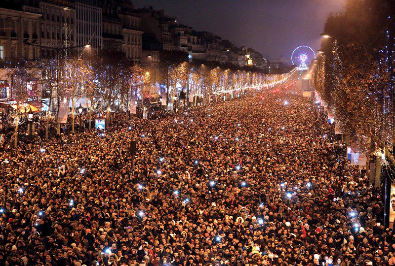 paris Έτσι υποδέχτηκε ο πλανήτης το 2017 [εικόνες]