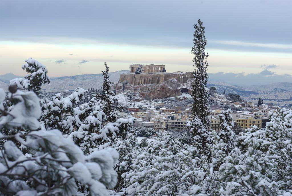 parthenonas-xionia-1300 Η πανέμορφη φωτογραφία του χιονισμένου Παρθενώνα που κάνει το γύρο του κόσμου