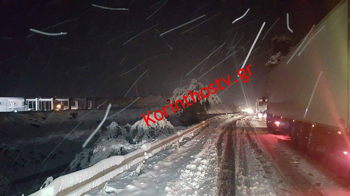 patrra_0 Ανυποχώρητος ο χιονιάς - Τρεις νεκροί και τεράστια προβλήματα σε όλη τη χώρα [εικόνες]