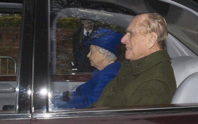 queen3 Τηνπρώτη της δημόσια εμφάνιση έκανε η βασίλισσα Ελισάβετ μετά τις... φήμες για τον θάνατό της! [εικόνες]