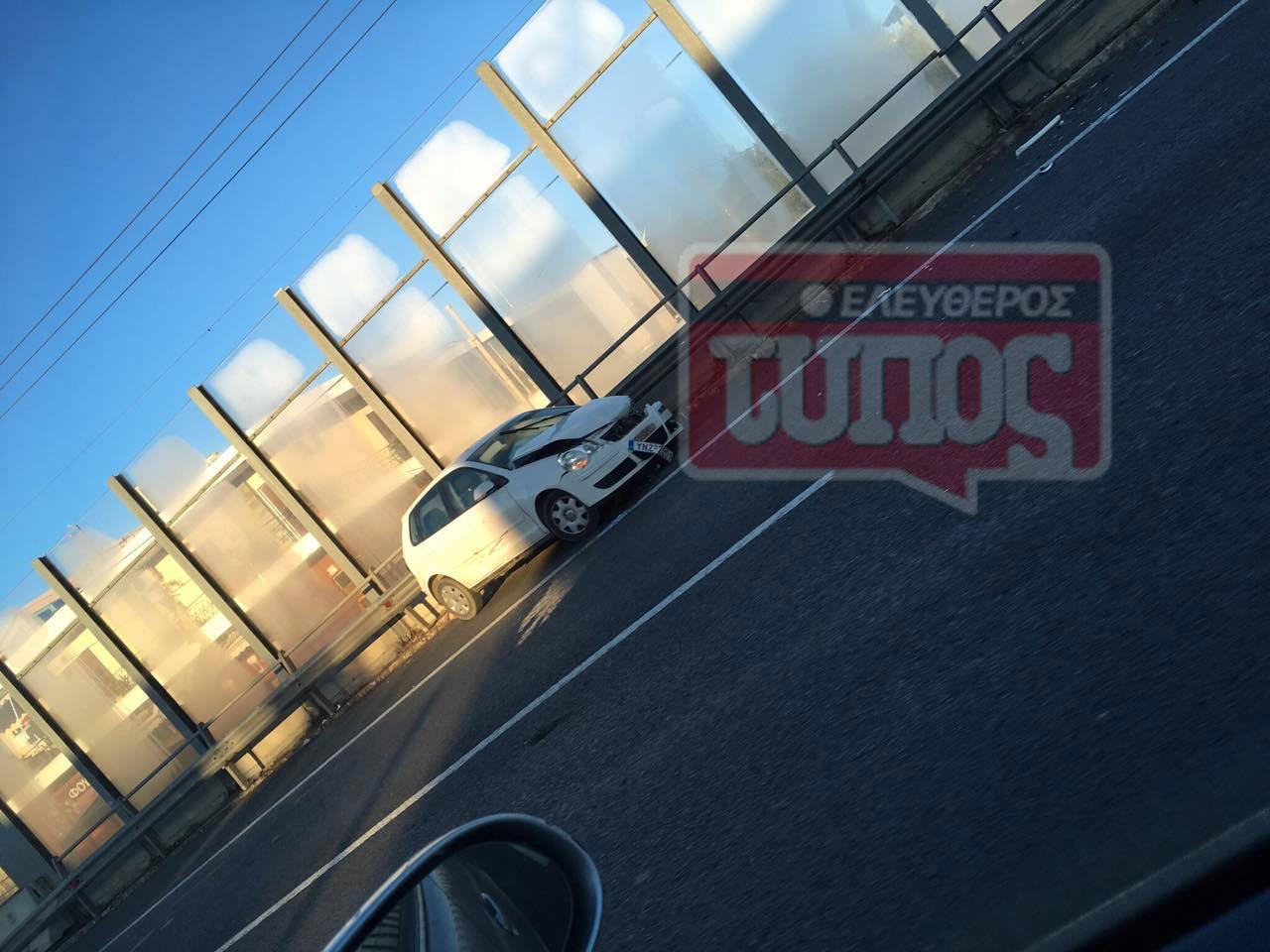 t5roxaio-ethinik-odos-traumaties-1300-1 Ατύχημα με τραυματία στην εθνική οδό: Μποτιλιάρισμα με ουρές χιλιομέτρων [εικόνες]