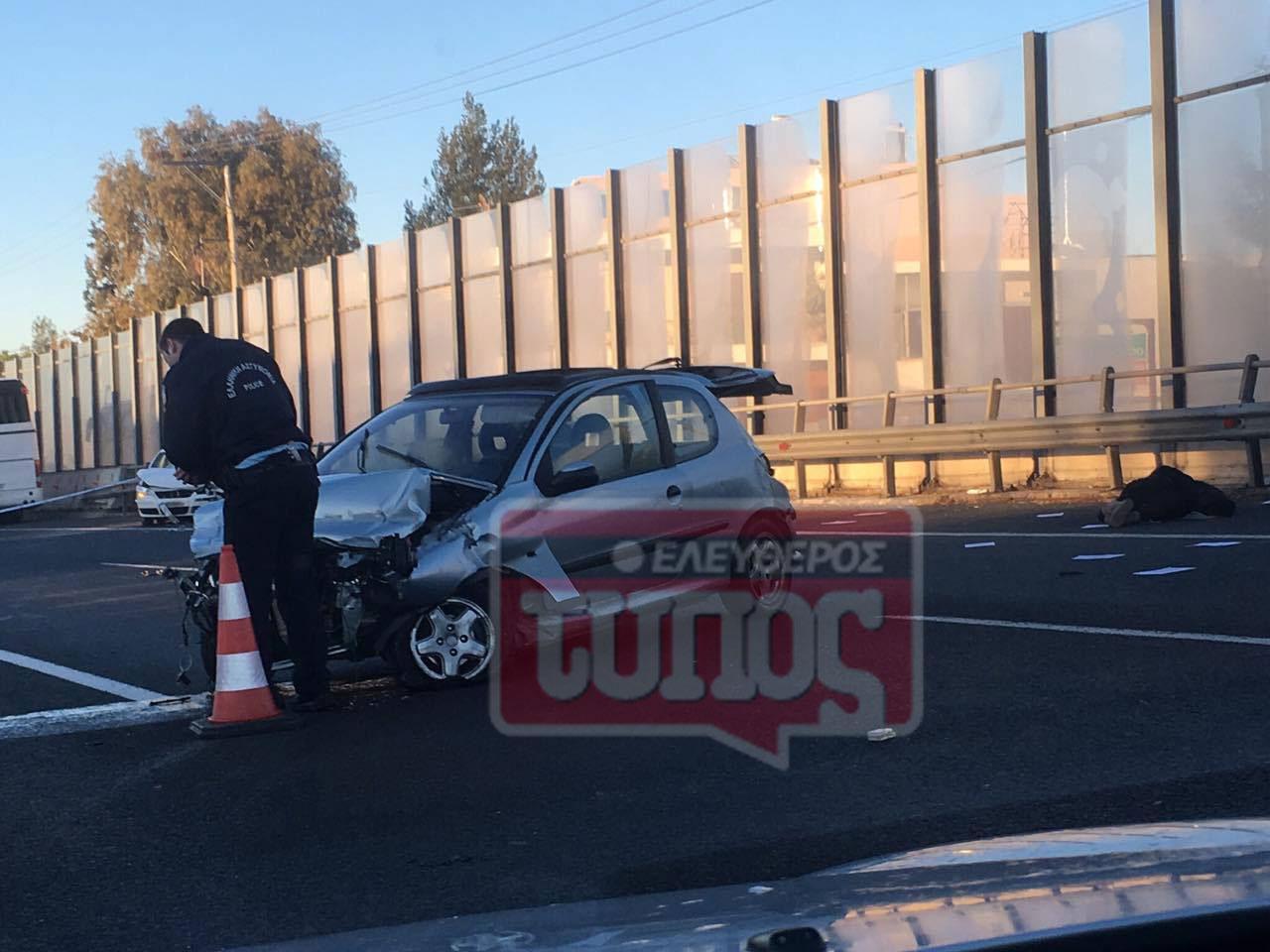 t5roxaio-ethinik-odos-traumaties-1300-5 Ατύχημα με τραυματία στην εθνική οδό: Μποτιλιάρισμα με ουρές χιλιομέτρων [εικόνες]