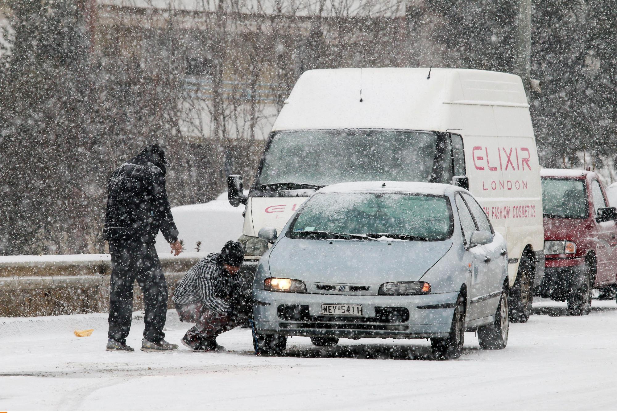 thessaloniki-botiliarisma3-1300 Ατελείωτες ώρες στο μποτιλιάρισμα για τους οδηγούς στη Θεσσαλονίκη [εικόνες]