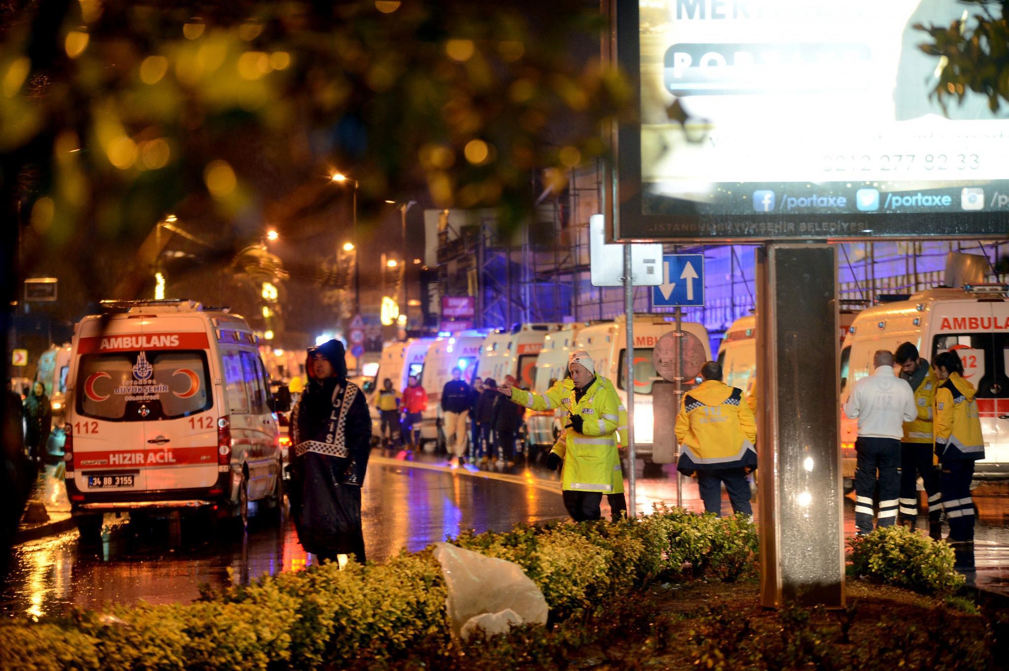 tourkia-epithesi-klamp-nekroi-10 Έτσι σκόρπισε τον θάνατο ο μακελάρης της Κωνσταντινούπολης [εικόνες & βίντεο]