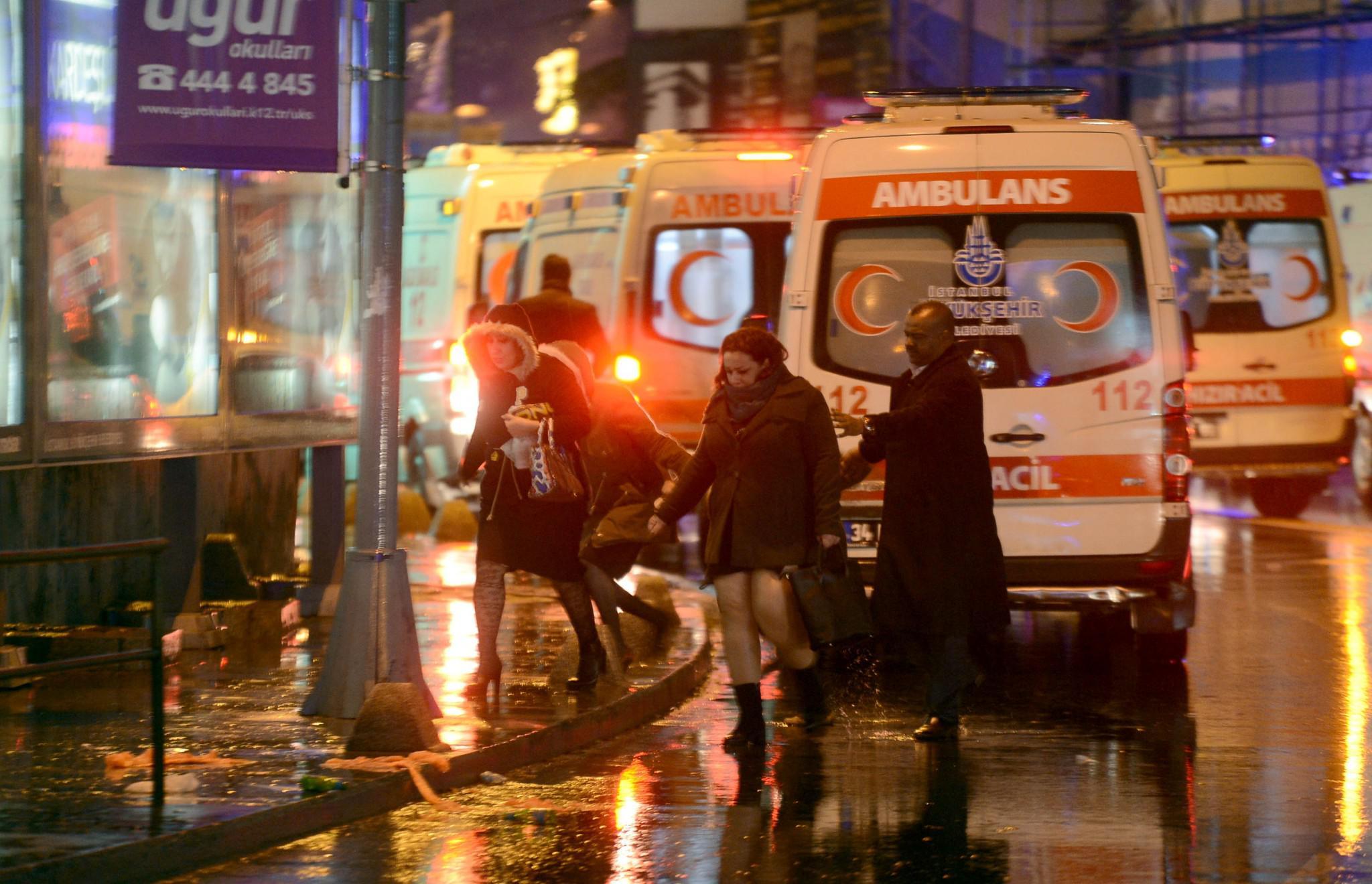 tourkia-epithesi-klamp-nekroi-9 Έτσι σκόρπισε τον θάνατο ο μακελάρης της Κωνσταντινούπολης [εικόνες & βίντεο]