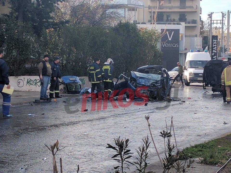troxaio-500 Νεκροί πατέρας και κόρη στο τροχαίο στην Κηφισίας - Σοβαρά τραυματίστηκε η μάνα [εικόνες]