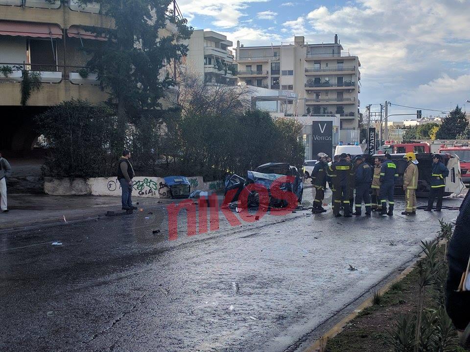 troxaio1-500 Νεκροί πατέρας και κόρη στο τροχαίο στην Κηφισίας - Σοβαρά τραυματίστηκε η μάνα [εικόνες]