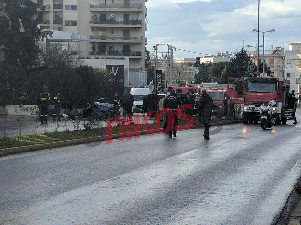 troxaio2-500 Νεκροί πατέρας και κόρη στο τροχαίο στην Κηφισίας - Σοβαρά τραυματίστηκε η μάνα [εικόνες]