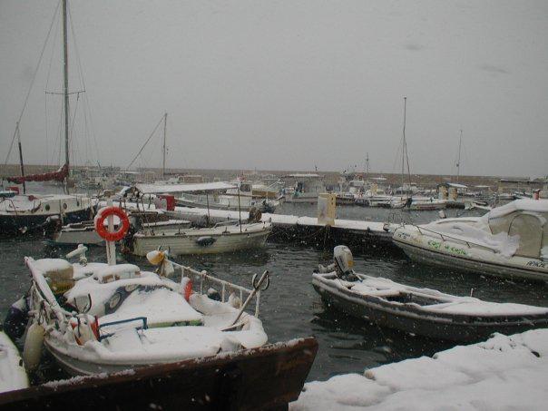 xania-xionia- Τραγική κατάσταση στην Αλόννησο  – Πολλά προβλήματα σε όλη την Ελλάδα από τον χιονιά